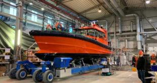 RENOLIT foliert Lotsenboot für dänisches Unternehmen Antifoulingfolie biozidfrei soll Treibstoffverbrauch senken